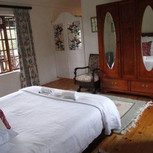 11 Valley Bedroom